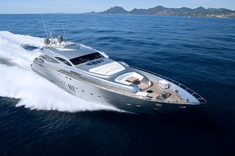 Yachts for sale in Greece Pershing 115