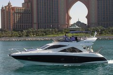 Yacht charter in Dubai Sunseeker Manhattan 50 PEARL