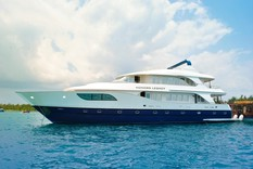 Charter yachts in Maldives HONORS LEGACY