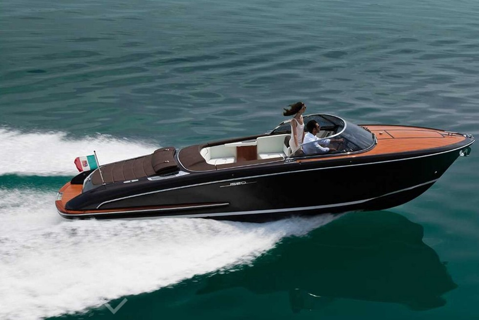 Image gallery small yachts for Small motor boat for sale