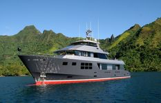 Charter yacht New Zealand VvS1