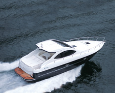 Yacht charter in Barselona G41 AeroTop Evolution