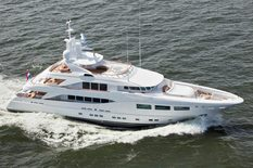 Yachts for sale in France Hakvoort 39m SNOWBIRD