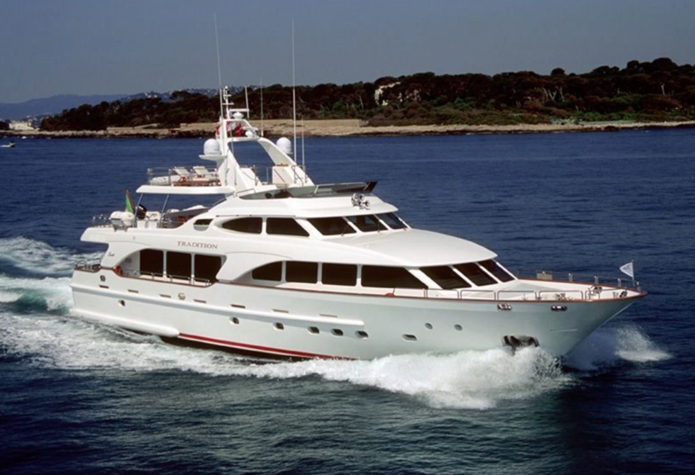 Francois Illas New Tradition: Sale Benetti Tradition 100
