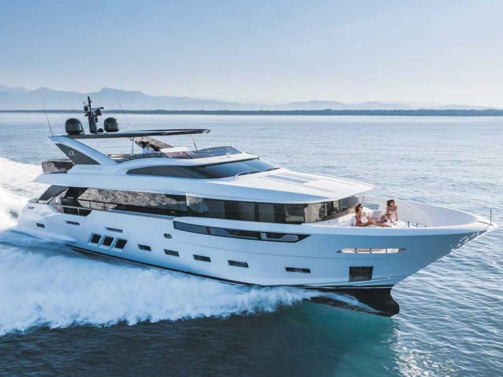 AKIRA Dreamline 26 equipment - Arcon Yachts