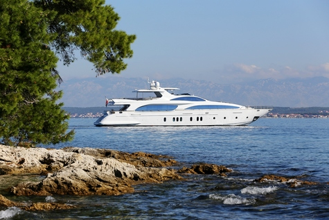 Yachts for sale in Barcelona Azimut 116 Grande Artemy
