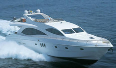 Yacht charter in Dubai Majesty 88ft
