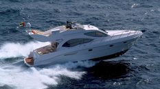 Yacht charter in Dubai Majesty 44ft