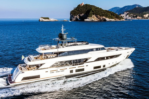 Yachts for sale in Corsica Custom Line Navetta 37