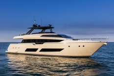 Motor yachts: super and megayachts Ferretti 850