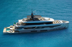 New yacht for sale Benetti Oasis 40M