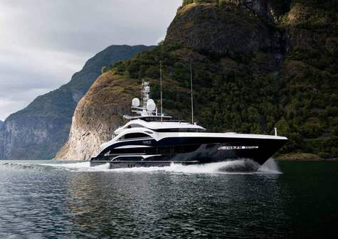 Yacht charter in the Cote d'Azur  LADY LI 50m Heesen
