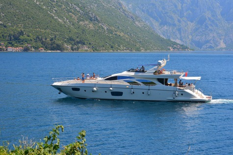 Yachts for sale in Monaco Azimut 98 Julia S