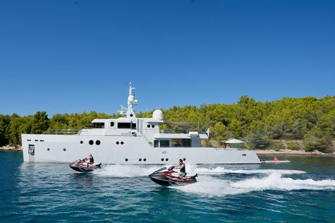 Yacht charter in Saint-Tropez Tansu PREFERENCE 19