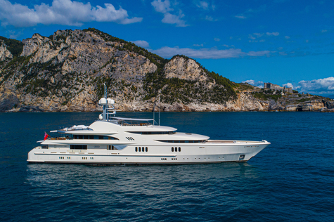 Yacht сharter in the Canary Islands Feadship 67m ANNA I